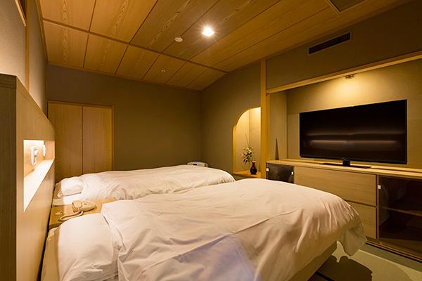 西館 6階二間客室【12.5畳+6畳<ツインベッド>】