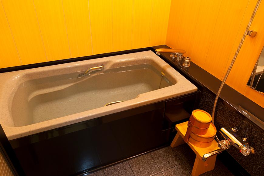 西館 6階客室(内風呂)