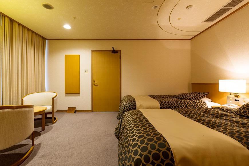 西館 6階和洋室(ツインベッドルーム)