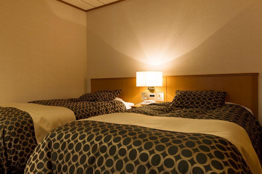 西館 6階和洋室(ゆったりしたベッド)