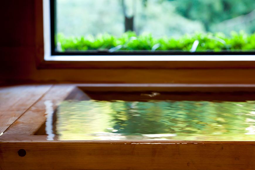 西館 貴賓室(檜の内風呂-2)